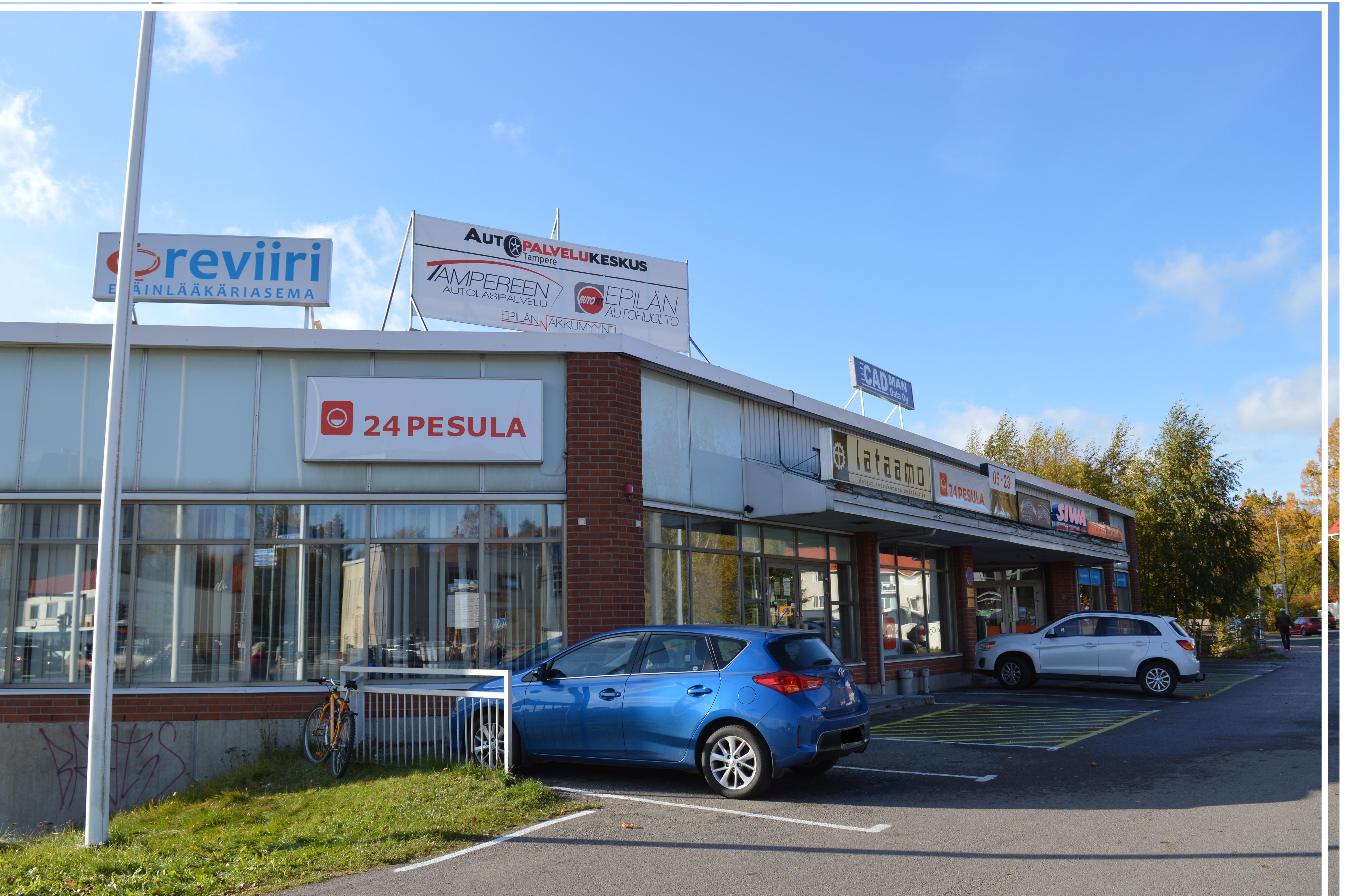 Autopalvelukeskus Tampere, käynti yritykseen liikekeskuksen alakerrasta